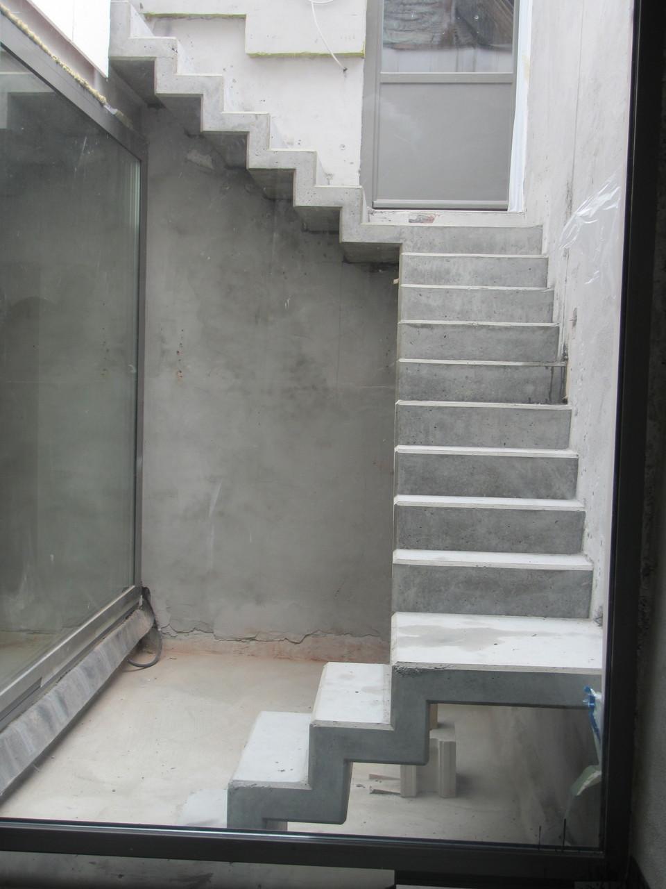 ehrf rchtige betontreppe sanieren haus design ideen. Black Bedroom Furniture Sets. Home Design Ideas