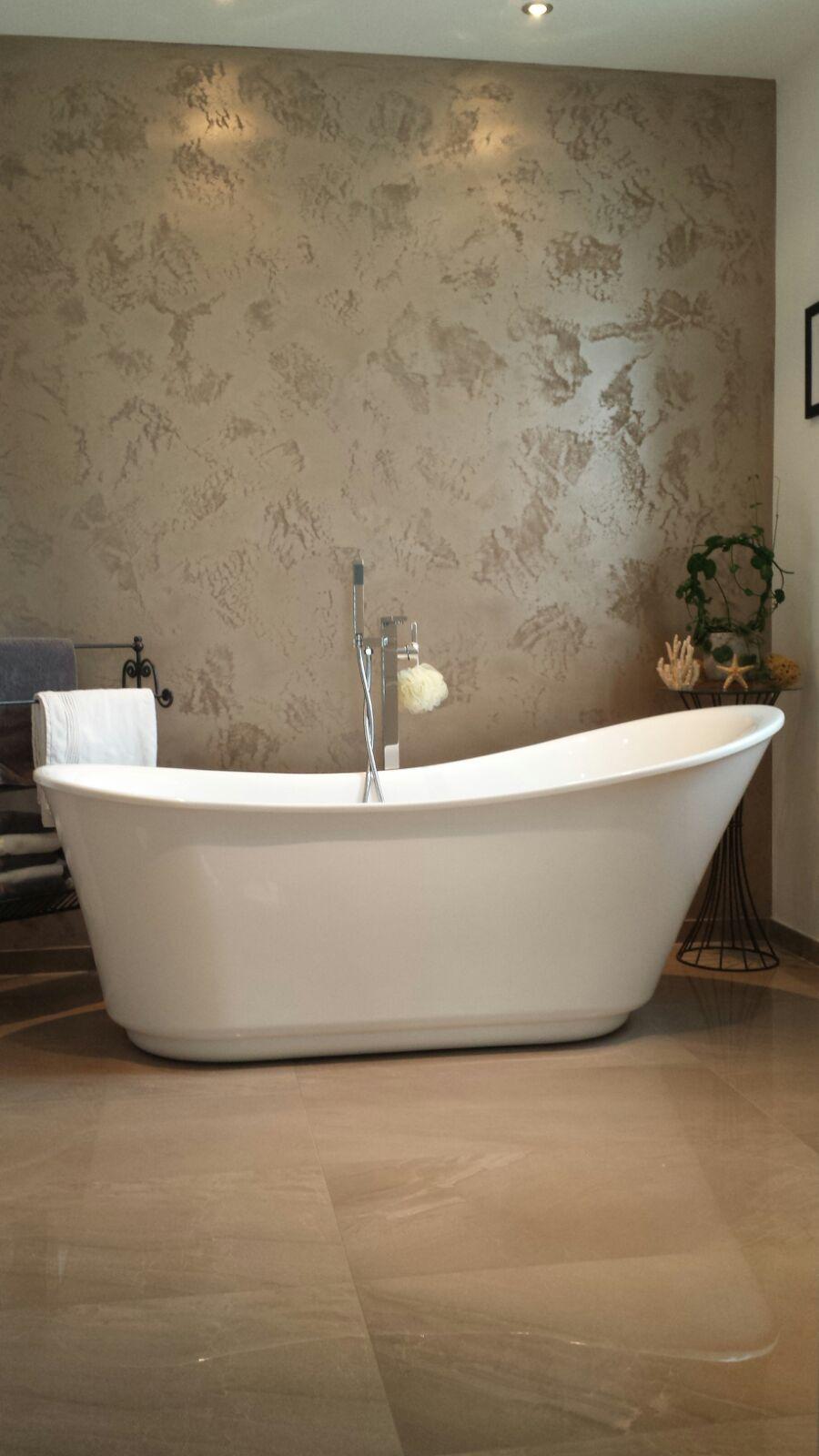 Designerbad Mit Freistehender Badewanne Und Begehbarer Dusche