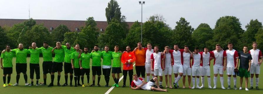 Fußballfreundschaft zwischen St. Nikolai und Teiba Moschee