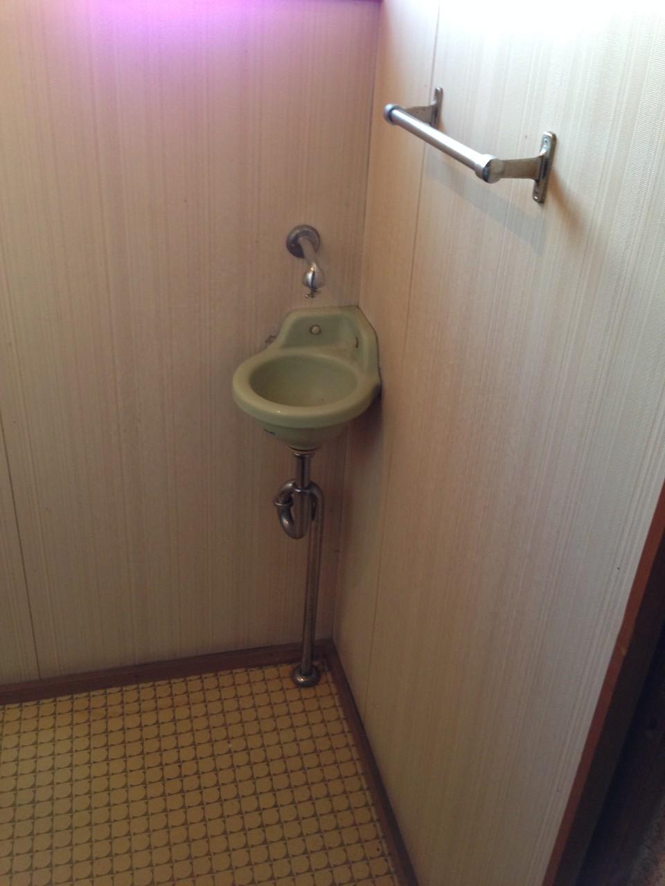 手洗い器もイイ感じ