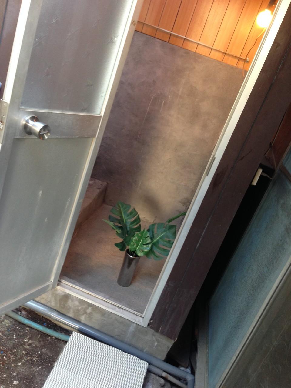 シンプルな浴室の洗い場