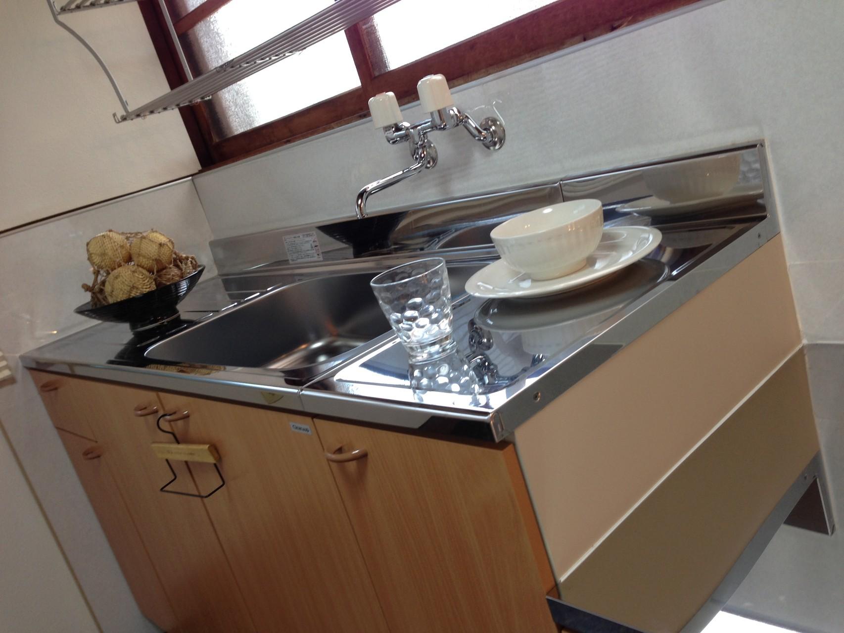 新品のキッチン。