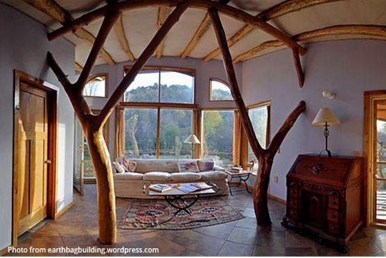 Intérieur d'une maison - source Earthbagbuilding.com