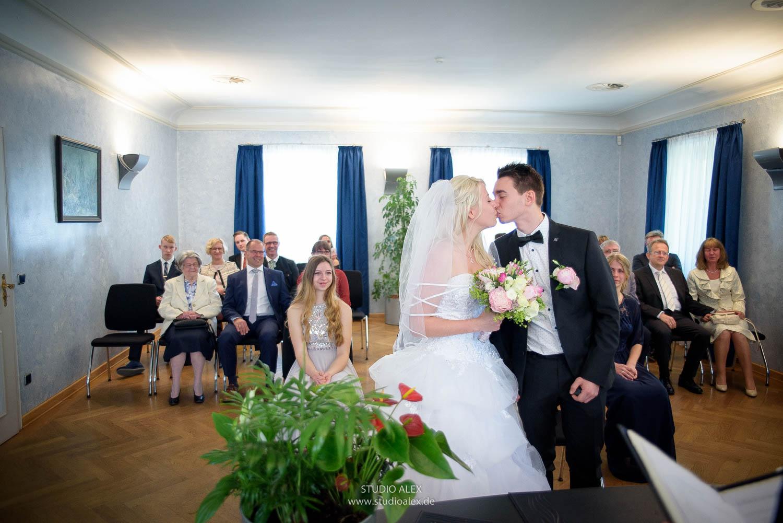 Hochzeitsfotografie in Rathaus Starubing