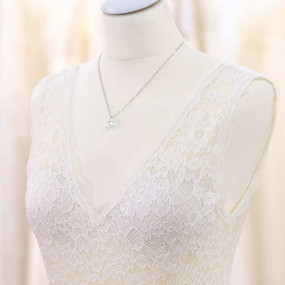 Whispers of love by Tali Amoo. Handgefertigte Brautmode aus der Manufaktur Brautmoden Tegernsee.