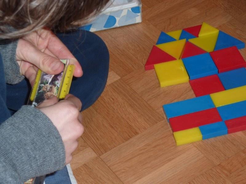 Wir messen die Seitenlängen und schreiben cm auf. Fläche in cm2