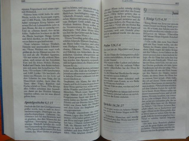 Jeder Tag enthält Kapitel der Psalmen, Sprüche,