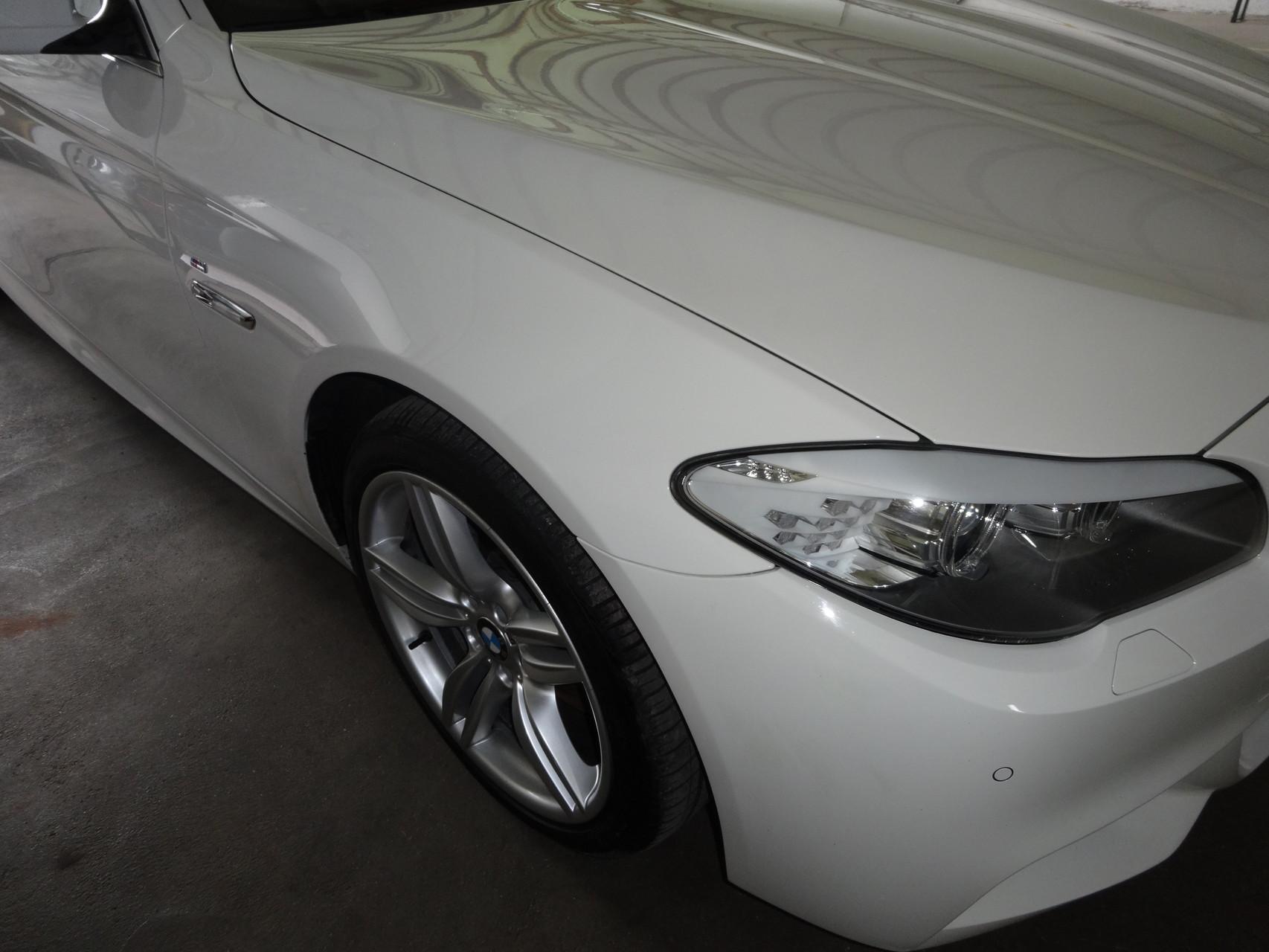 ein toller weißer 5er BMW Kombi