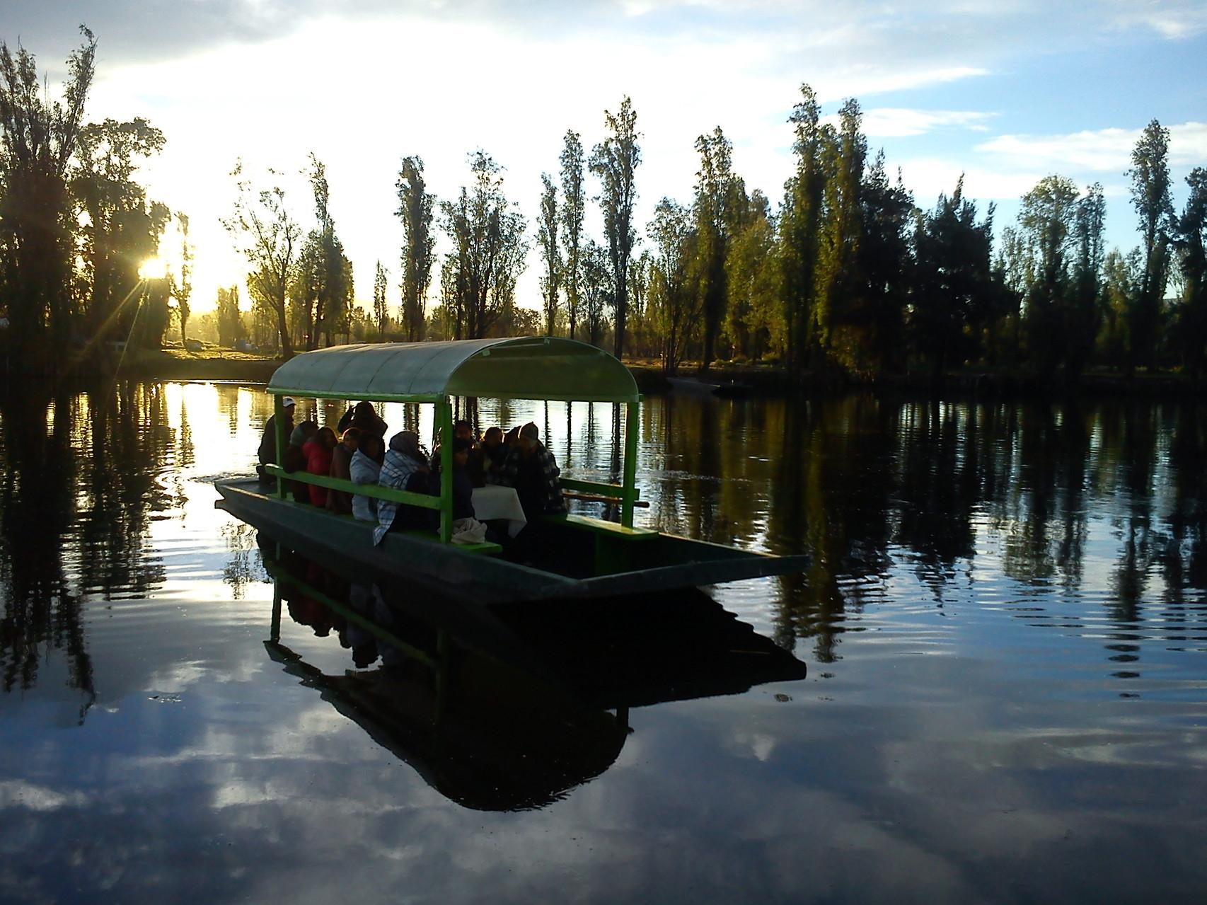 Muchos de los canales en la reserva ecológica de Cuemanco son amplios.