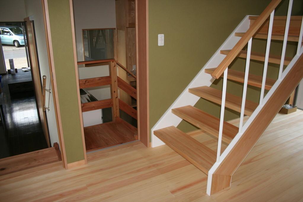 階段・・桧材