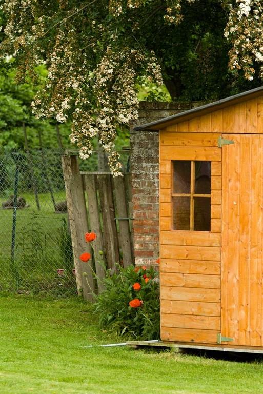 Petite cabane au fond du jardin.
