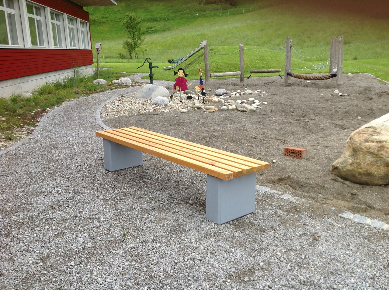 Ausstattung Schul und Sportanlage, Spielplätze