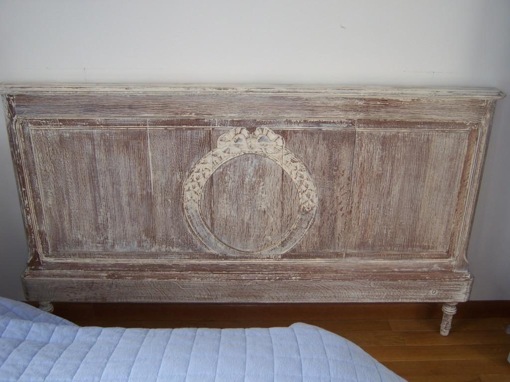 Pied de lit en chêne Céruse Blanche usée