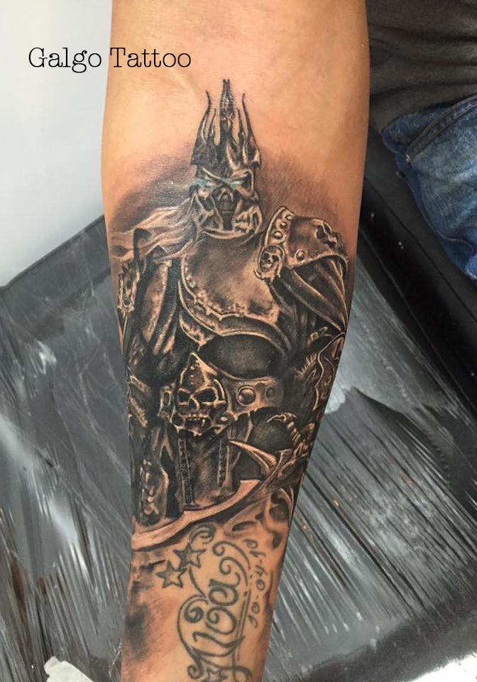 Tatuaje realista de Arthas, del juego World of Warcraft. Hecho en Barcelona.