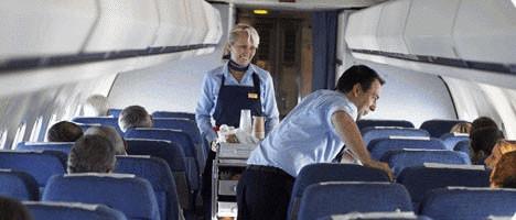 Kabinenservice an Bord einer MD-80 der FlyNordic/Courtesy: FlyNordic