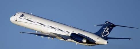 Eine MD-83 der Blue Line im Steigflug/Courtesy: Blue Line