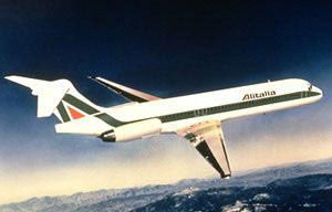 Alitalia MD-87-Modellzeichnung/Courtesy: McDonnell Douglas