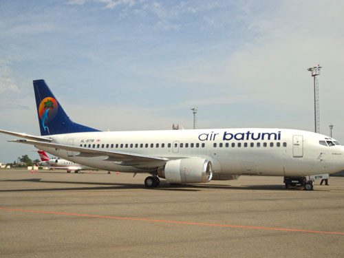 Boeing 737-300 im Farbkleid der Air Batumi/Courtesy: Air Batumi