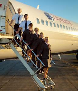 Eine Crew mit MD-88/Courtesy: Dynamic Airways