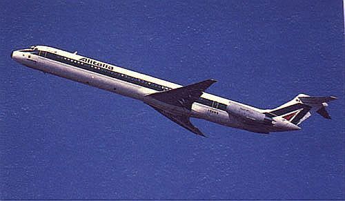 Eine MD-82 im Steigflug/Courtesy: Alitalia