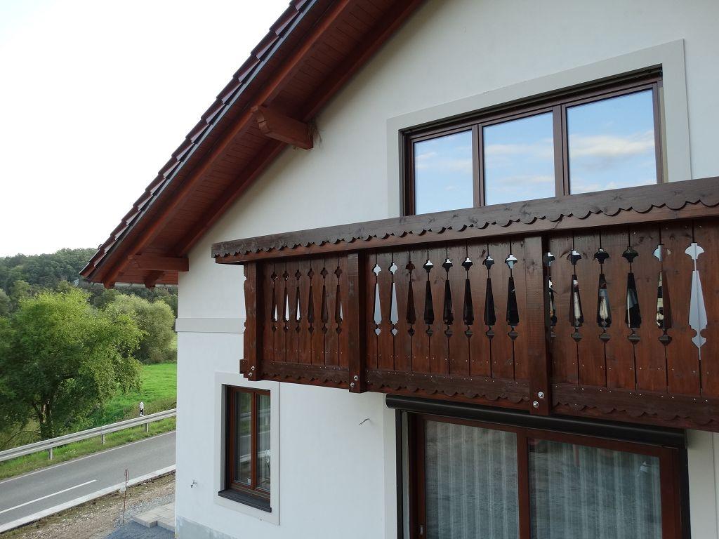Balkonbrüstung traditionell