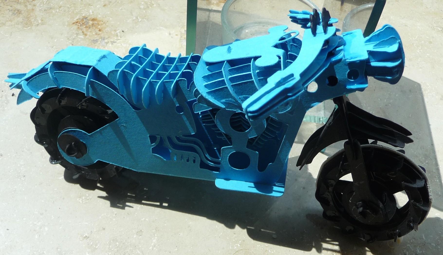 Das Kirigami Motorrad