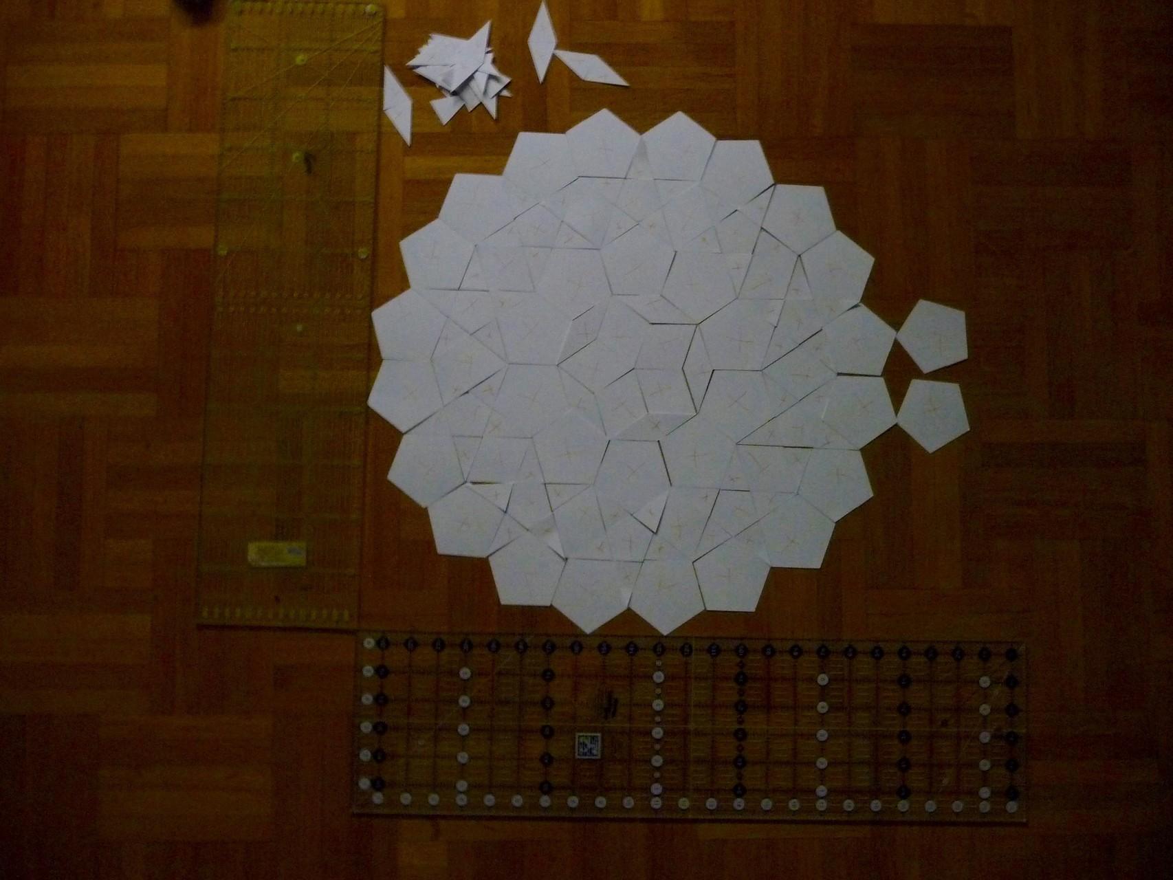 Die Größe mag ich! Die Dreiecke sind nicht zu winzig, und das Pentagon geht gerade so noch.