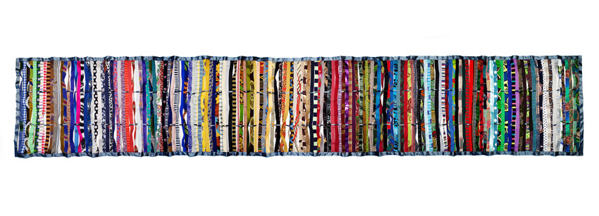 165 different strips of fabric, satin edging, approx. 90x550 cm; photo: Ursula Röck