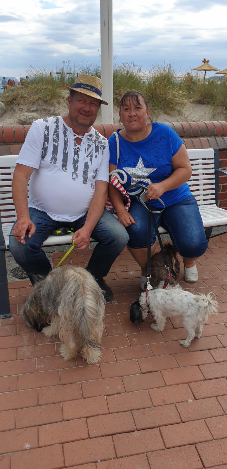Das sind wir mit unserem Hunden im Urlaub!