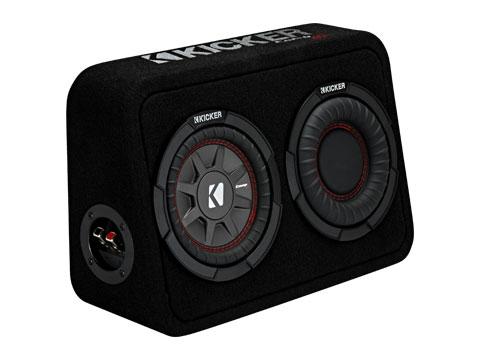 キッカーTCWRT674 26×39×15(cm)と非常にコンパクトサイズでありながら迫力の重低音。メーカー希望小売価格 ¥58,000 + 税