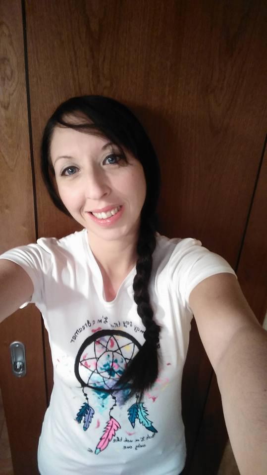 Maria José con camiseta Dreamer desde Valencia