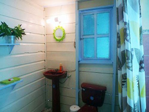 Alcibiades Apartment bathroom