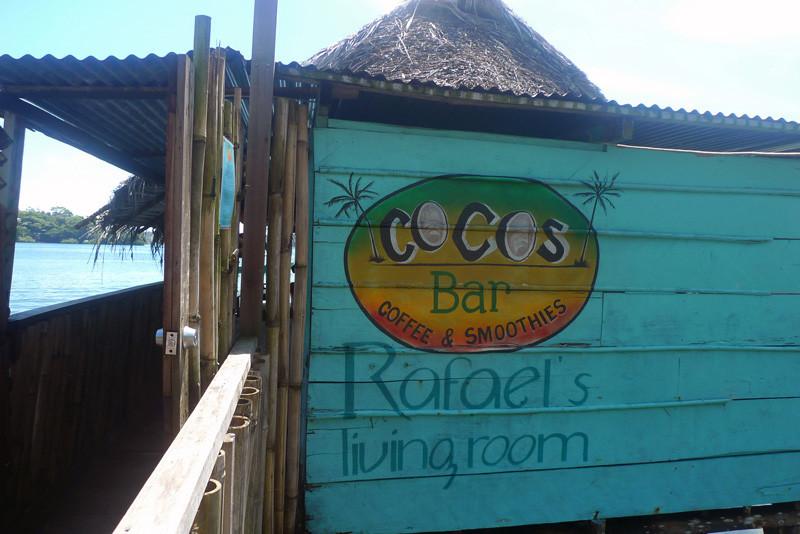 COCOS BAR – Rafael's living room