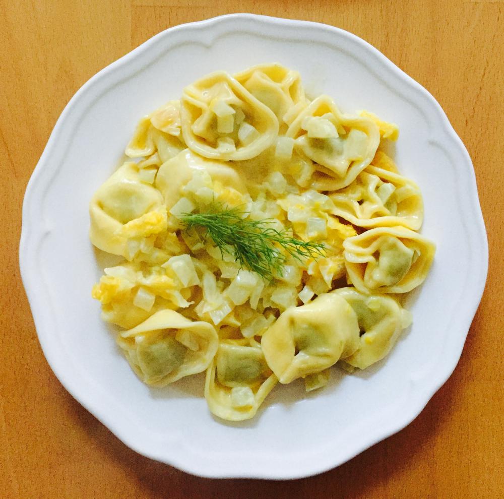 """""""Tortellini an Orangen-Fenchelsoße"""""""