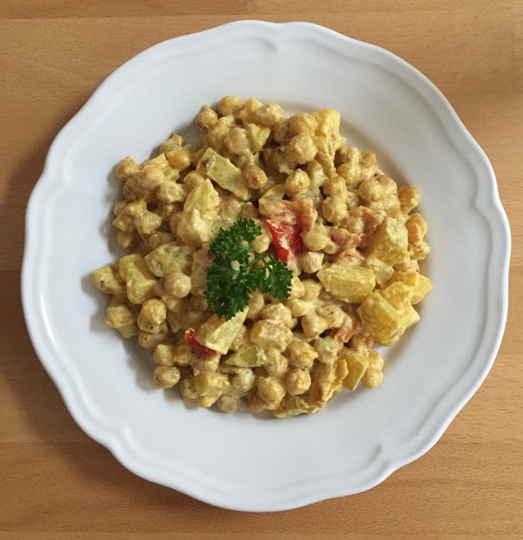 """13.10.16 """"Channa Raita"""" Gebratene Kichererbsen mit Kartoffeln, Tomaten und Joghurtsoße"""
