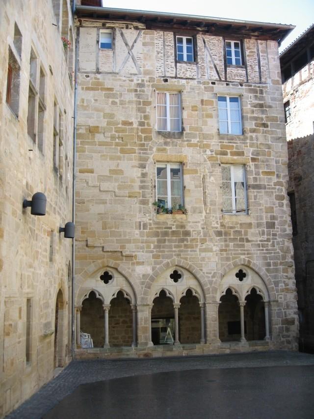 Figeac-place des écritures-Lot-Dordogne