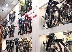 折りたたみ自転車から特徴ある自転車までとにかくたくさん展示中!