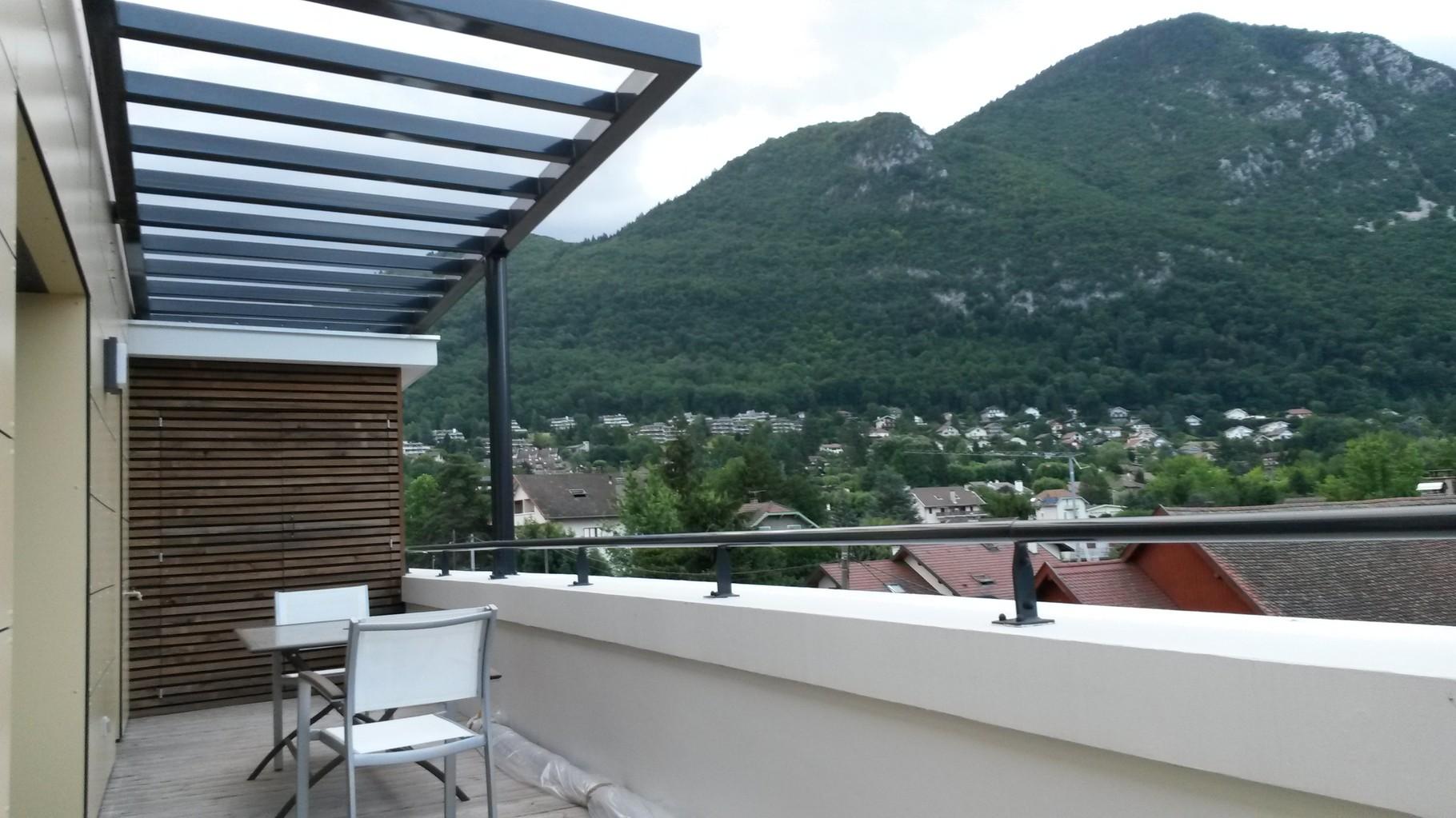 La terrasse et le mont Veyrier