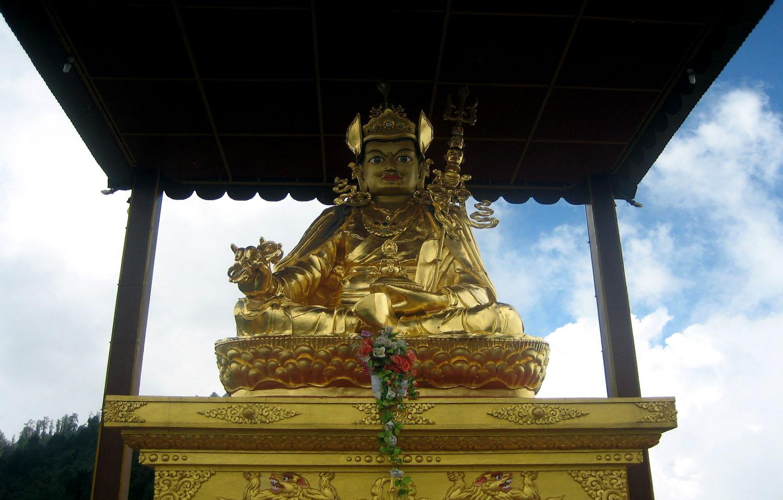 BOUDDHA A TARKEGHYANG  trek Langtang  photo Noelle Touma Nepal Khumbu Shangrila