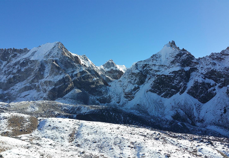 Le Chola Pass au fond