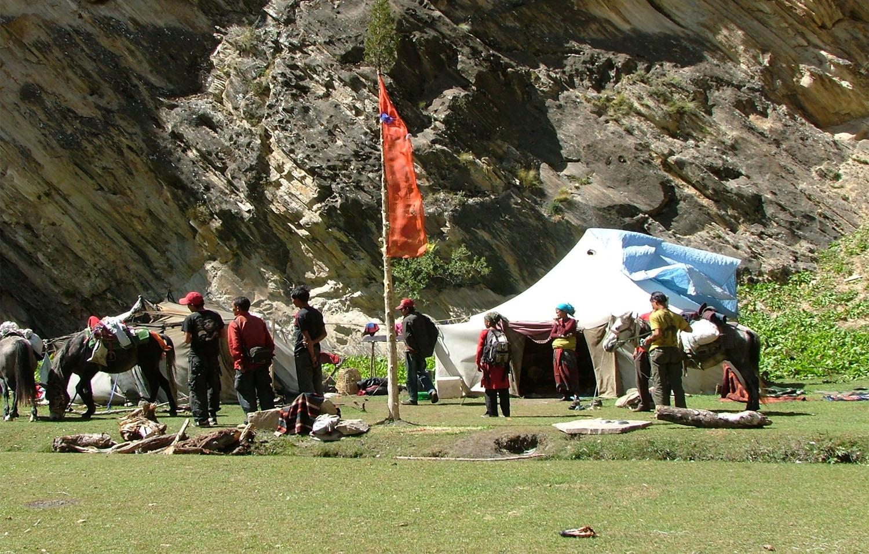 PIGO PHU CAVE CAMP NOMADE TIBETAIN  trek Dolpo Nepal Khumbu Shangrila