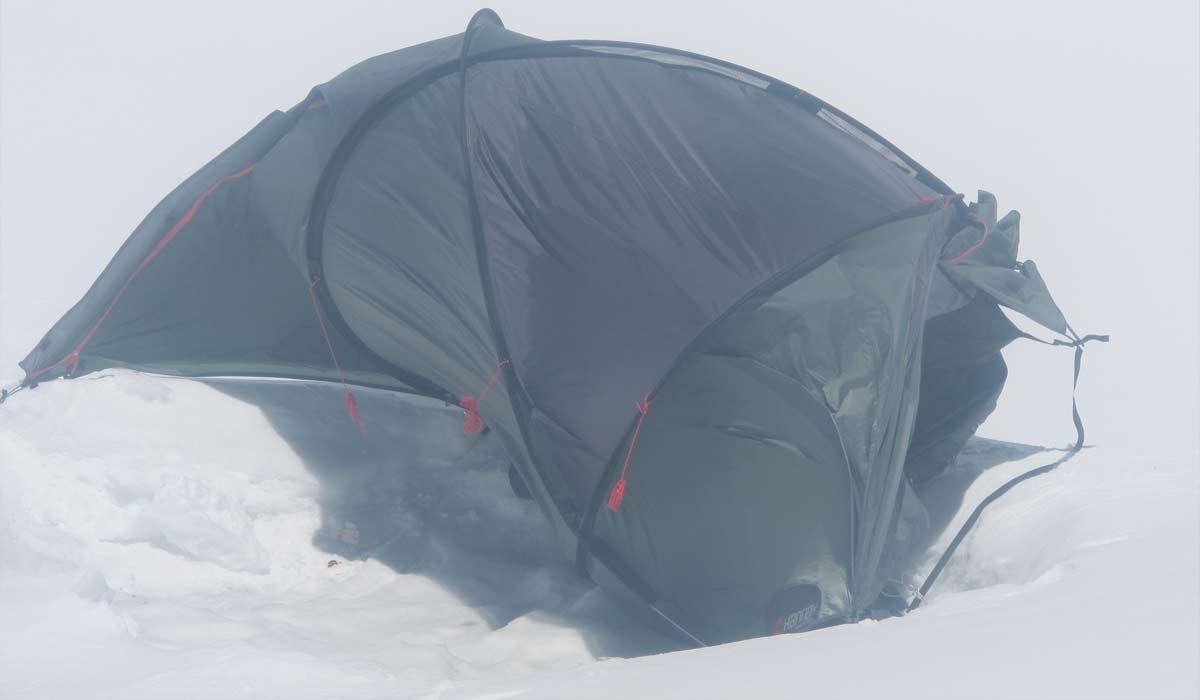 La tente à C4 avec le vent très fort