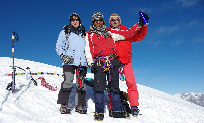 Au sommet du Thorong www.shangrila-trek.com