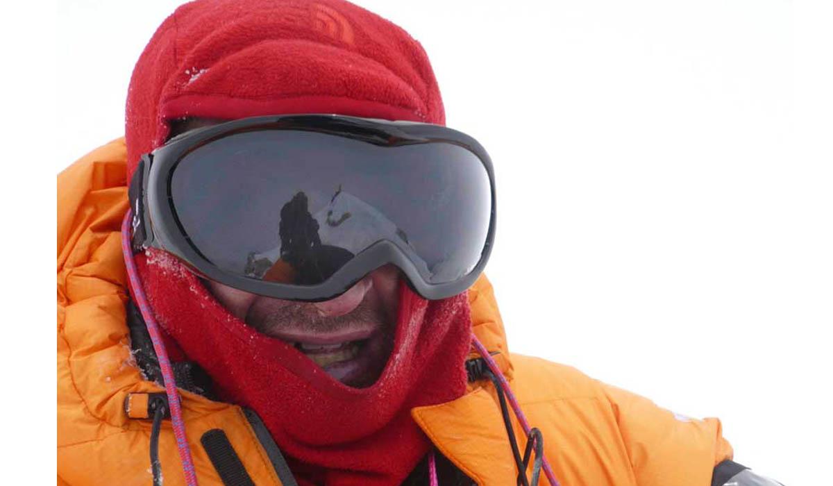 François et Kaila (dans le masque) au sommet - Photo François Marsigny