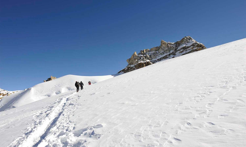 Arrivée à High Camp le camp pour le Mera Peak  http://www.shangrila-trek.com/mera-peak-depuis-phaplu/