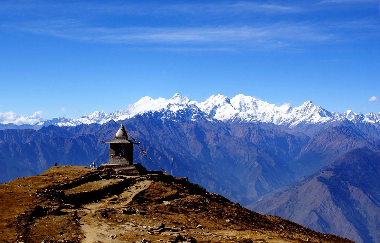 AU FOND LA CHAINE DU LANGTANG VUE SUR LA DESCENTE VERS LAURIBINA  trek Langtang photo Benoit Perraud Nepal Khumbu Shangrila