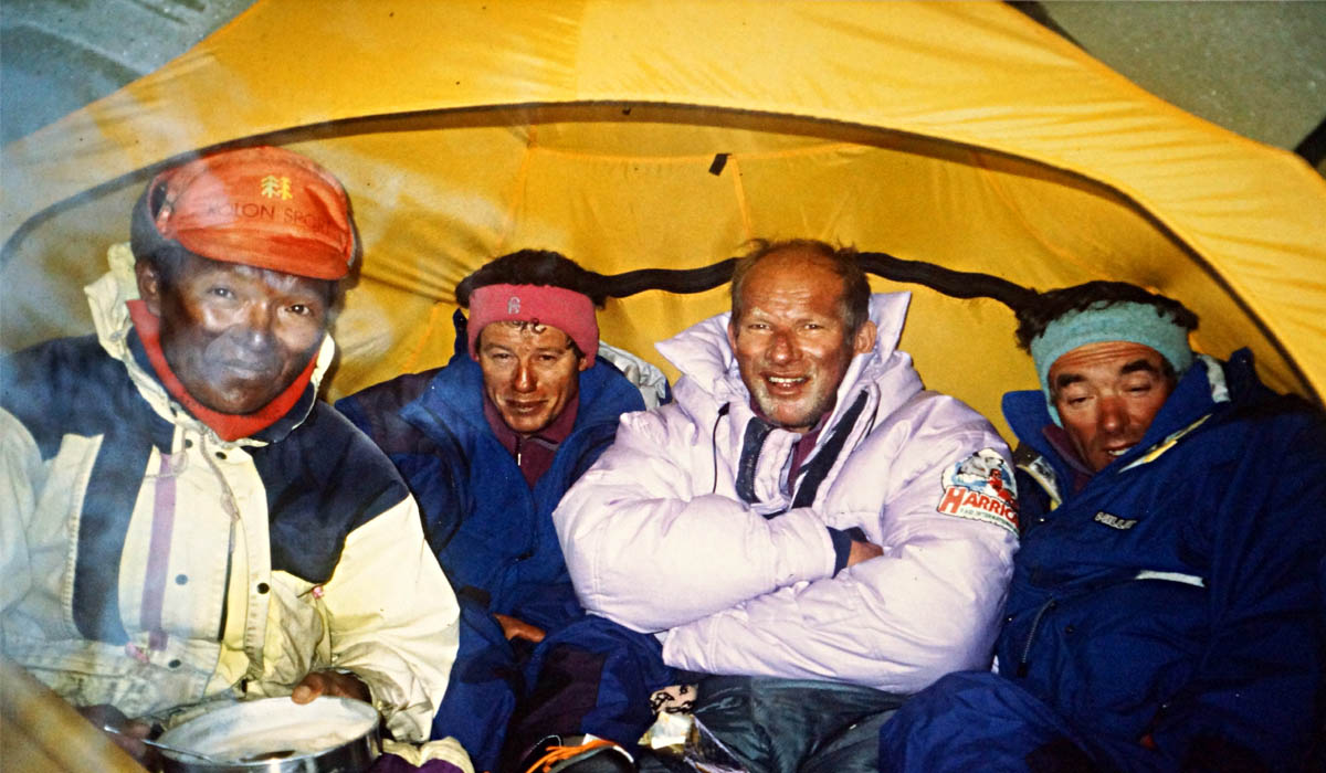 Bien amochés au camp 4 à 7400 m