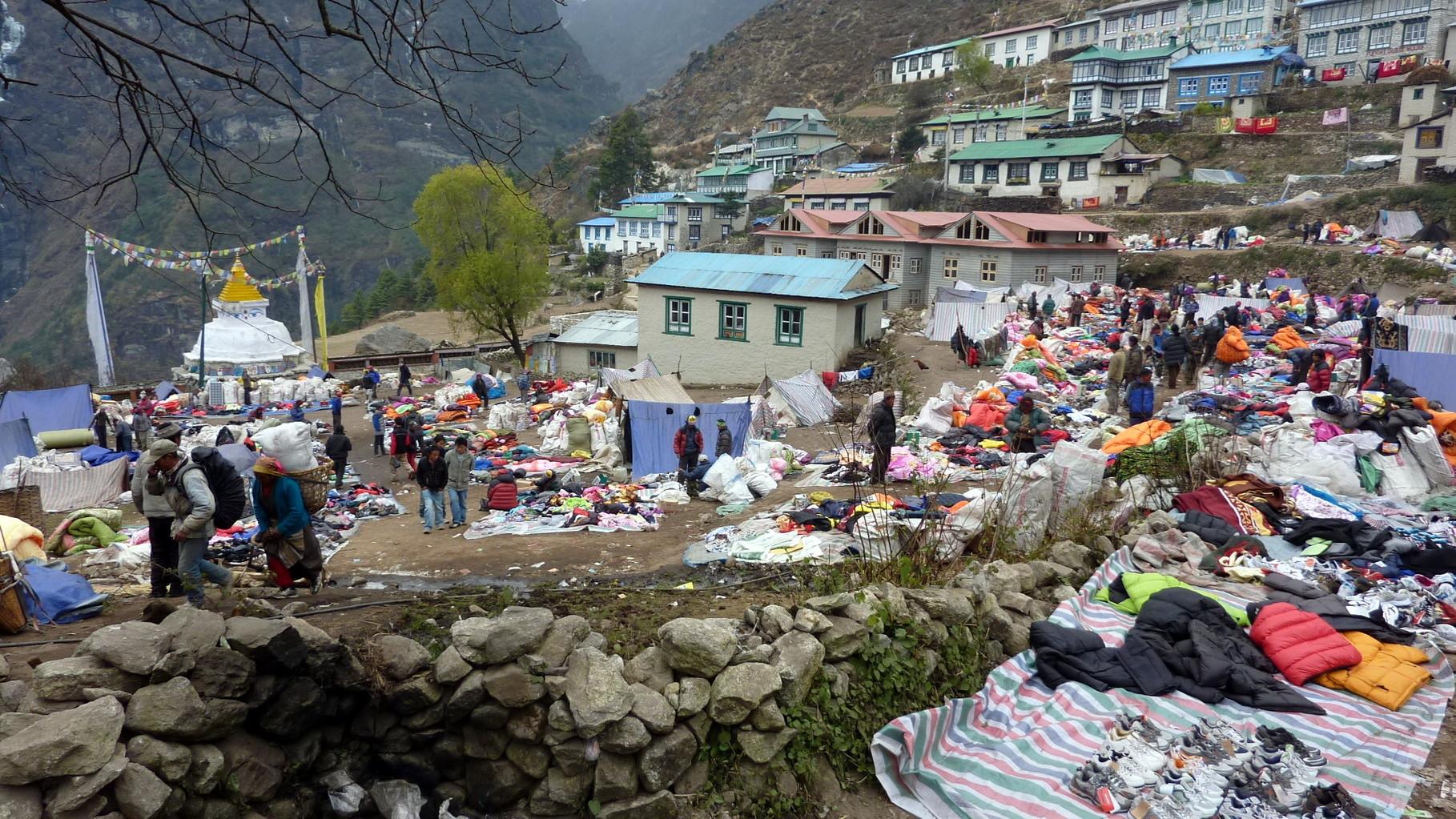Marché Tibétain le samedi à Namche