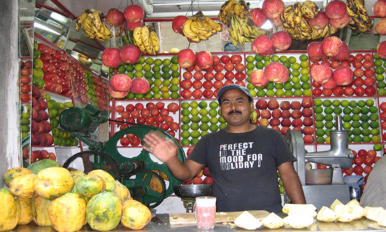 Nombreux shop de fruits frais