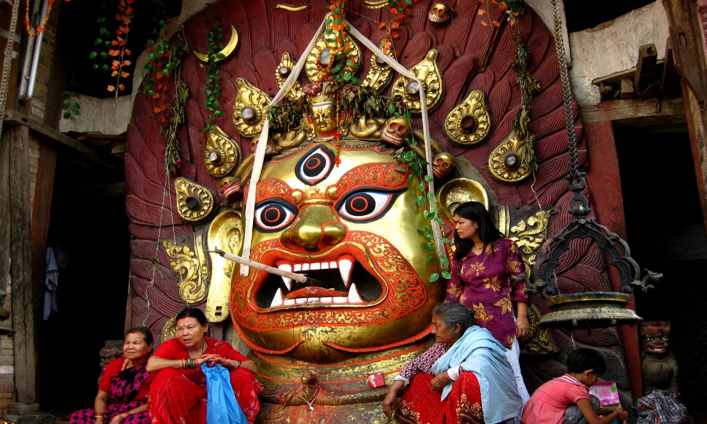 Sculpture et peinture du Népal photo Noelle Touma